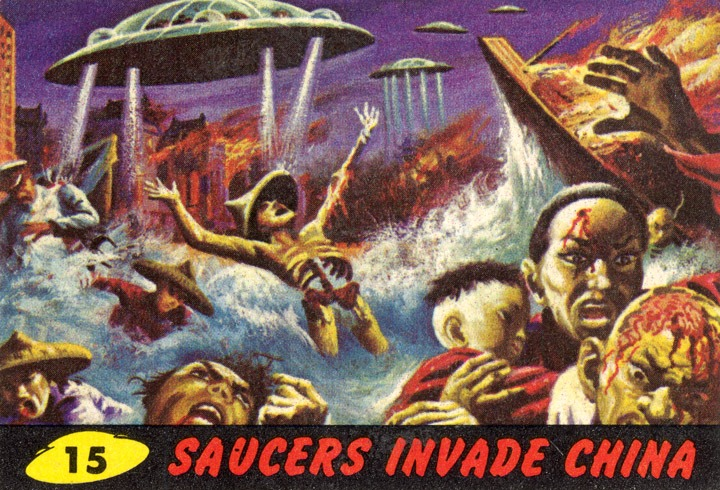 1962 Topps Mars Attacks Card #15 Saucers Invade China