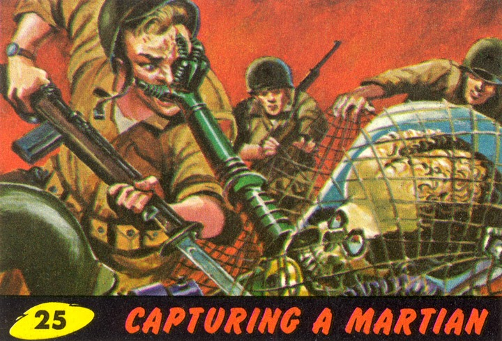 1962 Topps Mars Attacks Card #25 Capturing A Martian